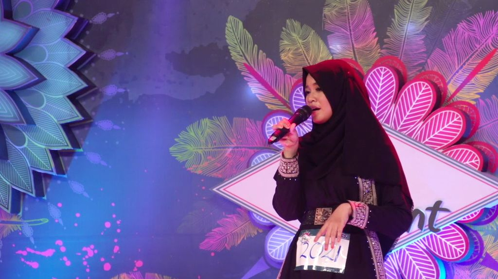 24 Besar Sunsilk Hijab Hunt 2017 Surabaya - Amanda Putri Nudzario
