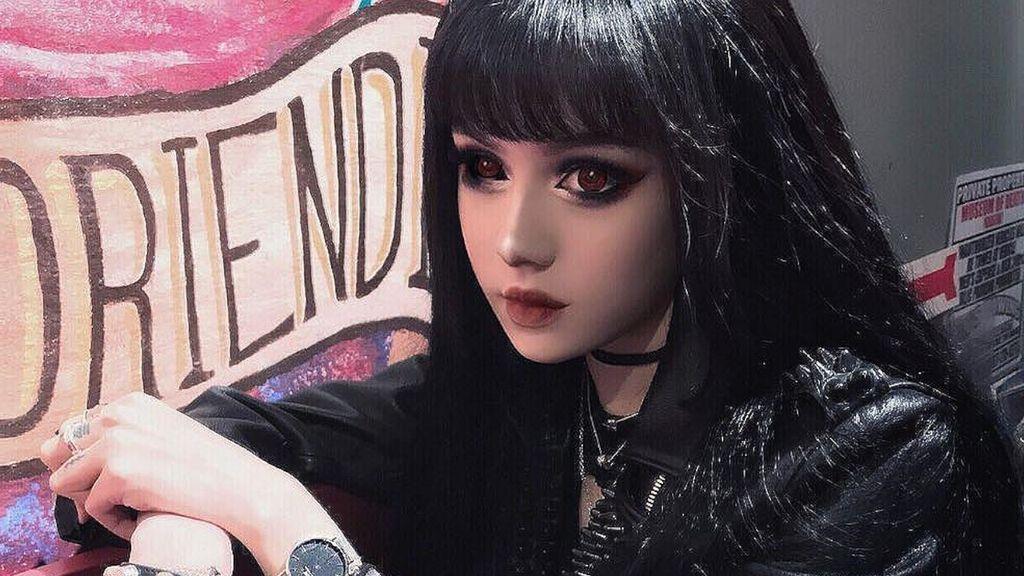 Cantiknya Kina Shen, 'Boneka Hidup' yang Populer di Instagram