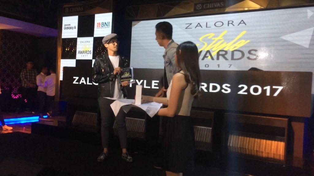 Tara Budiman Raih Male Style Star of the Year di Zalora Awards 2017