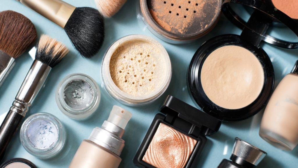 Perhatikan Hal Ini Jika Tak Ingin Wajah Tampak Tua karena Makeup