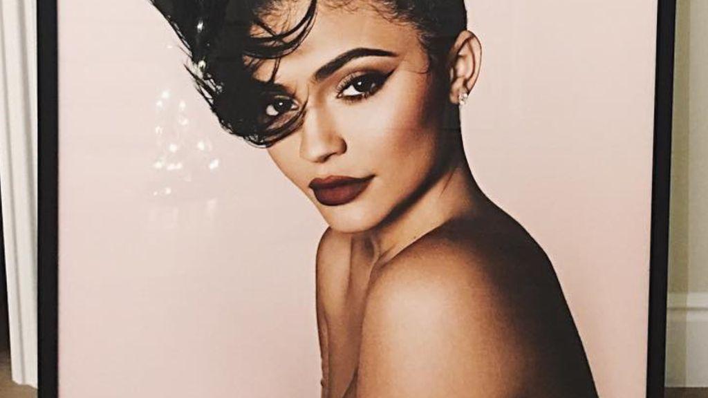 Kylie Jenner Unggah Foto Menggoda Tanpa Busana