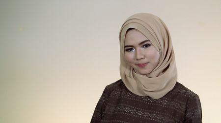 Tutorial: Hijab Pashmina untuk Pemula