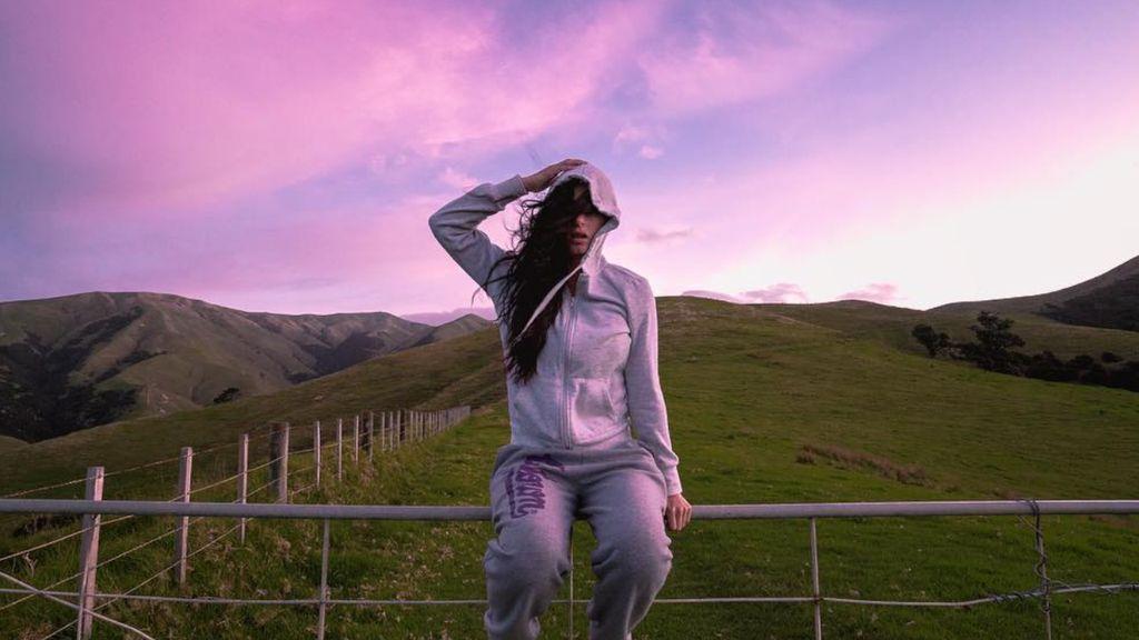 Jadi Kontroversi, Model Playboy Pose Tanpa Busana di New Zealand