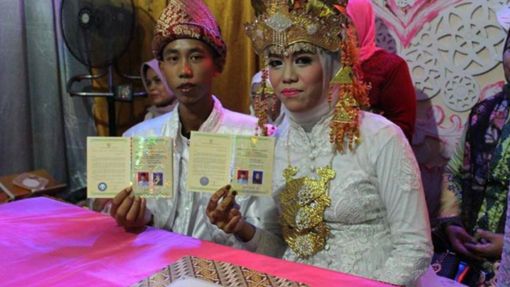 Viral! Pasangan SMP Menikah di Usia 15 Tahun
