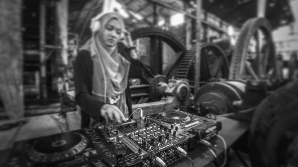 Jadi Kontroversi Karena Pakai Cadar Saat Nge-DJ, Ini Kata Ariska