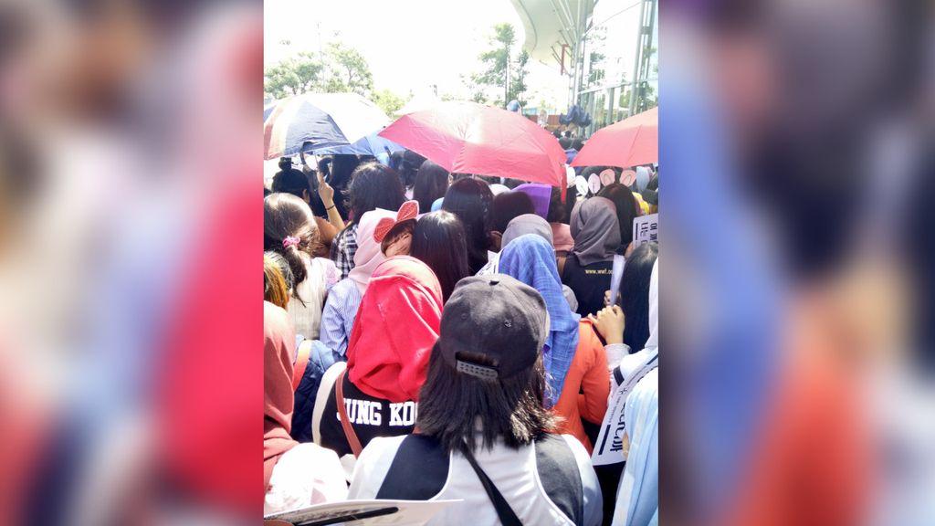 Penggemar Marah-marah di Medsos Soal Antrean Konser BTS
