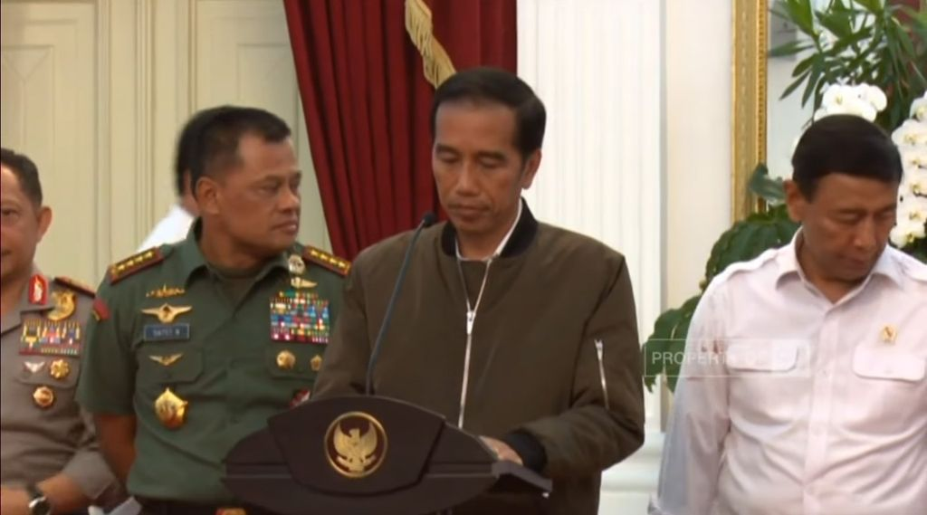 Serbu 5 Jaket Bomber Jokowi di Harbolnas