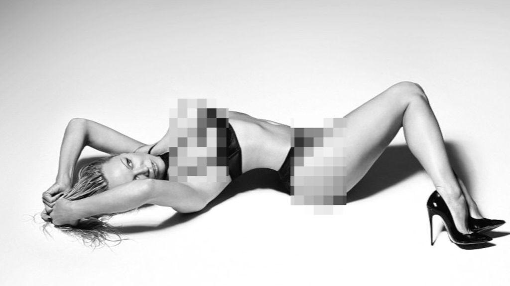 Guys! Pamela Anderson Seksi Pakai Lingerie