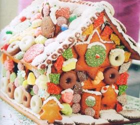 Menyiapkan Kue-kue Natal yang Cantik