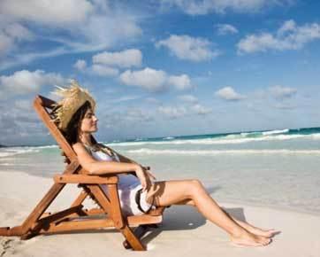 6 Benda yang Harus Dibawa Saat Wisata ke Pantai