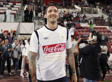 Marco Materazzi  bercerita bagaimana beliau pernah merobek kaus kaki Mario B Terkini Materazzi Soal Leonardo dan Kaus Kaki Milan Milik Balotelli