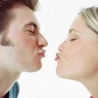 Ciuman yang Sehat Bisa Cegah Keriput di Wajah