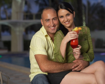 8 Tips Berpacaran dengan Pria yang Usianya Jauh Lebih Tua