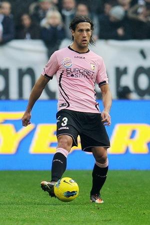 Inter Milan tak butuh waktu usang untuk mendapat pengganti Lucio yang h Terkini Inter Pinjam Silvestre dari Palermo