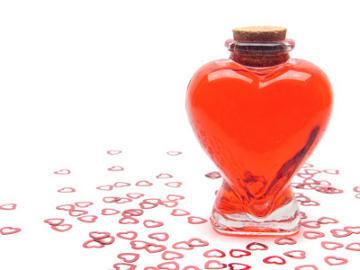 Nama Strauss Kahn Diabadikan Jadi Merk Minuman Afrodisiak