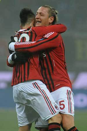 Dalam beberapa langgar terakhir Terkini Seperti Inter, Milan Mungkin Juga Pakai Tiga Bek