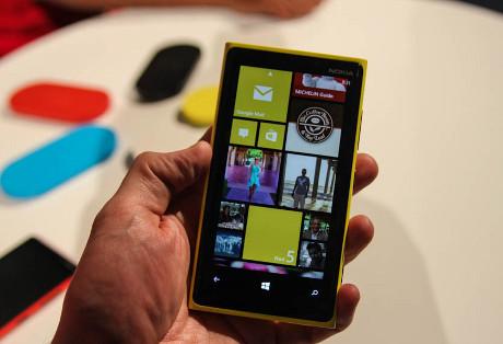 Nokia Lumia 9202