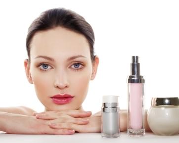 Kosmetik yang Cocok untuk Kulit Berminyak Agar Tidak Berjerawat