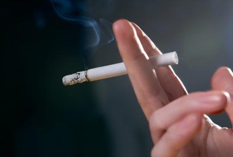 Awas, Menghirup Asap Rokok Tingkatkan Risiko Pikun