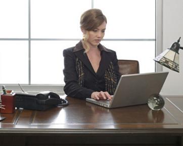 Nyalakan Lilin, Cara Agar Tidak Stres karena Pekerjaan
