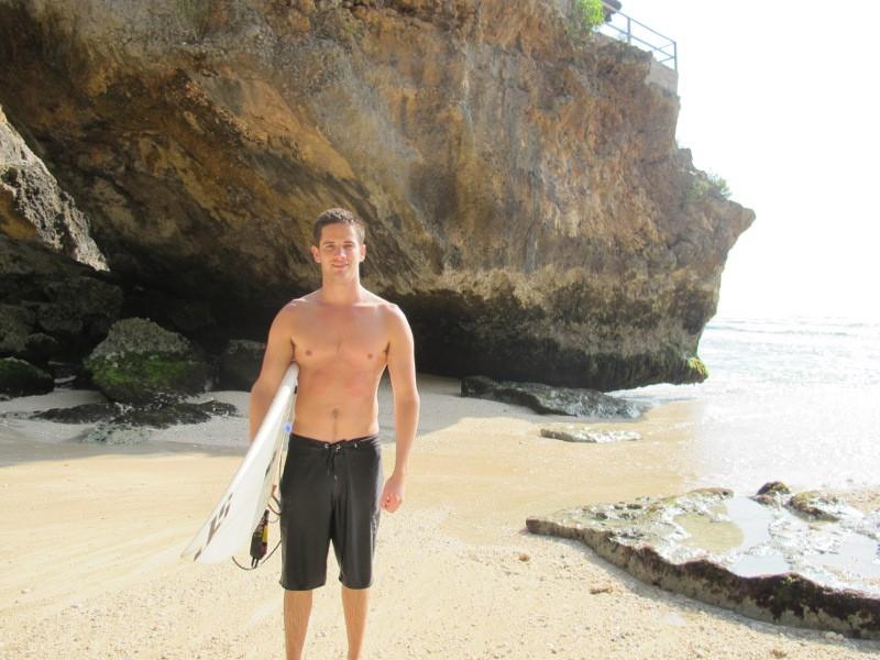 Para Cowok Ganteng u0026 Cewek Berbikini di Pantai Suluban Bali - 8