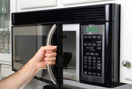 5 Masalah Kesehatan yang Mengintai Akibat Penggunaan Microwave