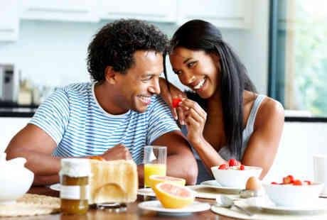 Hafal Makanan Favorit Pasangan Prediksi Kepuasan terhadap Hubungan