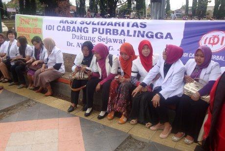 Dokter di Purbalingga Gelar Aksi Solidaritas Dukung dr Ayu Dibebaskan
