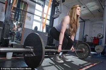 Laresce Browne, si Cantik Berpenyakit Sendi yang Jadi Juara Angkat Besi