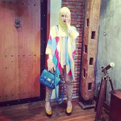 Hijab Style Tampil Kasual Ala Zaskia Adya Mecca 6