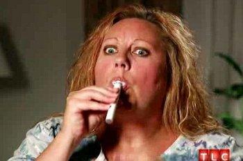 Heather Beal, Wanita yang Kecanduan Minum Cat Tiap Hari