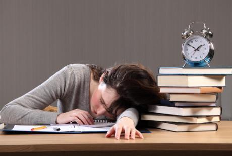 Tak Cuma Kurang Tidur, Kebiasaan Ini Bisa Buat Tubuh Jadi Kelelahan 1