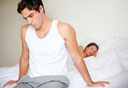 Kebiasaan Duduk Begini Bisa Turunkan Gairah Seks Anda Lho