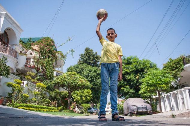 La historia del niño más alto de la India, Karan Singh Karan4-dlm