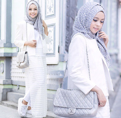 hijab style tren busana serba putih yang diterapkan hijabers dunia 9