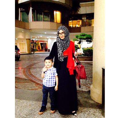 Hijab Style Gaya Stylish Ibu Anak Ala Selebgram Rezky