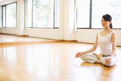 Tips Memilih Pakaian Agar Latihan Yoga Lebih Optimal