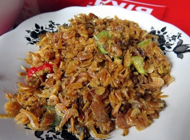 Rebonnya gurih asin cocok untuk pelengkap nasi, jengkol dan sambal.
