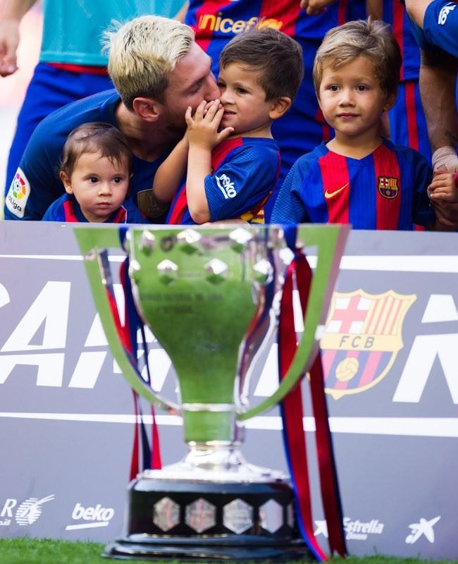 Barcelona Kuasai Spanyol