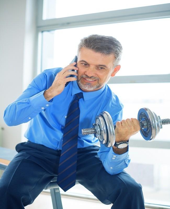 'Nge-gym' di Kantor