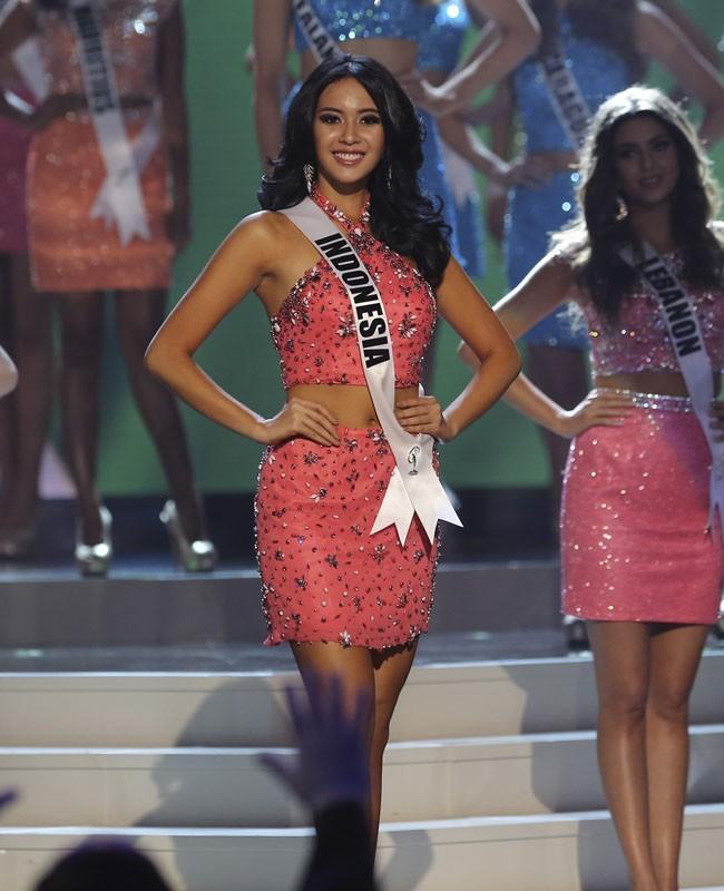 Puteri Indonesia 2014 Elvira Devinamira