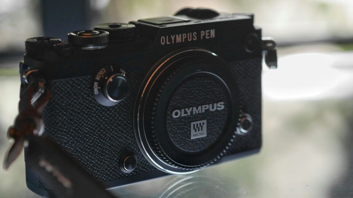 Olympus PEN-F - Rp 14 juta