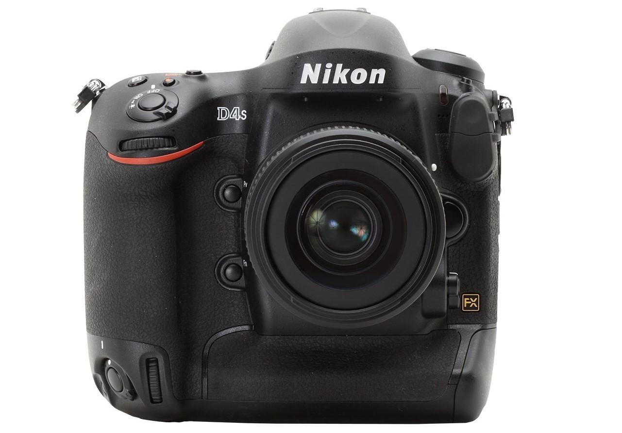 Nikon D4S - Rp 79 juta