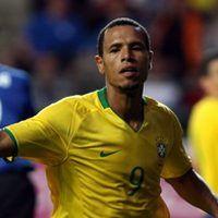 Fabiano Menangkan Brasil