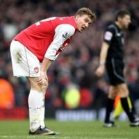 \Arsenal Tertekan & Tegang\