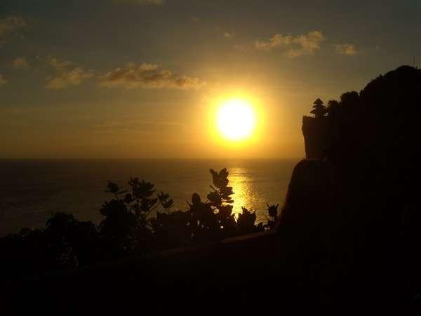 sunset di uluwatu/jundys-dtraveler