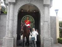 Berpoto dengan hulu balang di Istana Negara