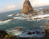 Pantai Papuma dengan batu karangnya yang menjulang setinggi lebih dari 50 m