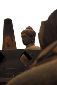 Salah satu patung di Candi Borobudur (Angela Jennifer Aroemrasni/dtraveler)