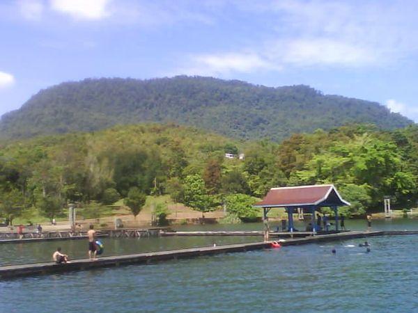 Suasana Danau Matano